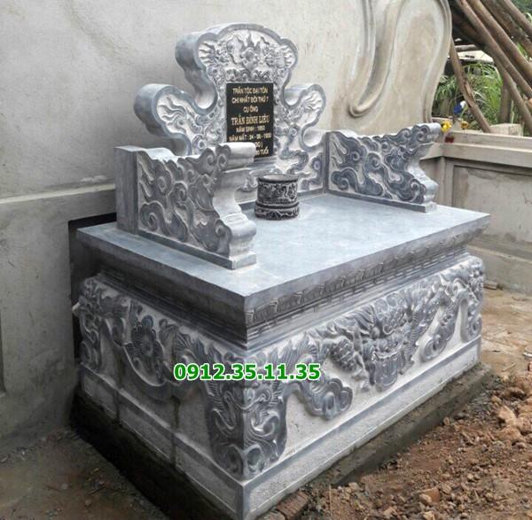 bàn thờ thiên ngoài trời bằng đá